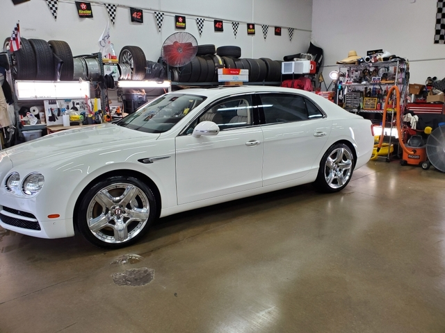 Pre-Owned 2015 Bentley Flying Spur 4dr Sdn V8