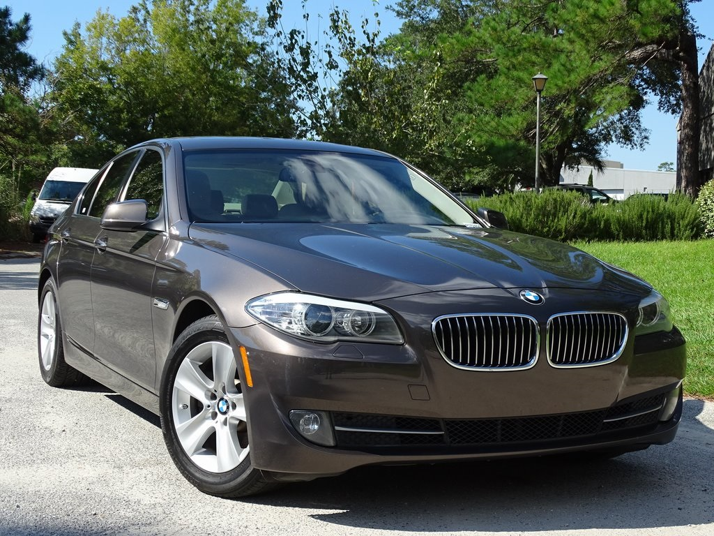 Pre Owned 2011 BMW 5 Series 528i
